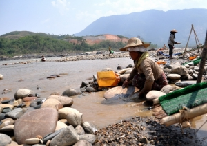 The Irrawaddy River at Myitsone, Kachin State Pianporn Deetes